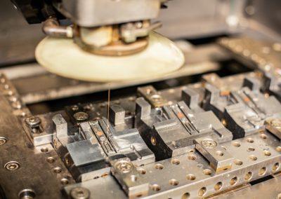Feiner Draht der Mitsubishi Maschine zum Drahterodieren